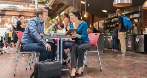 Kensington SecureTrek Lockable Laptop Bags: In a Café Blog Body Image