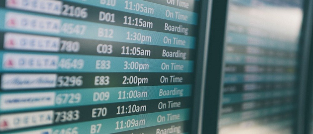 Top Holiday Travel Accessories Blog Header Image