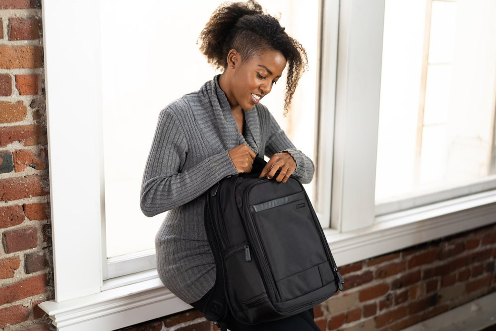 returning-to-the-office-kensington-blog-laptop-backpack-image.JPG
